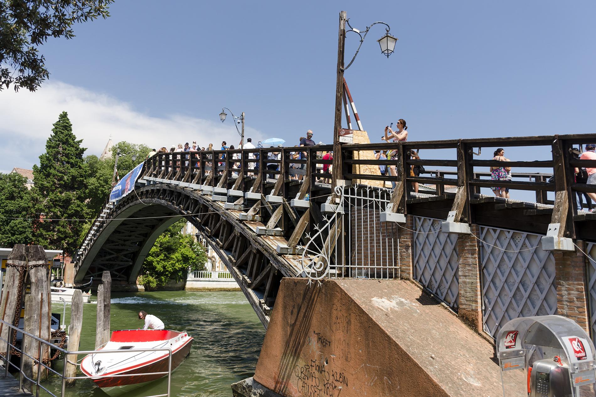 Benátky - Ponte dell'Accademia
