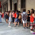 Florencie - Fronta do galerie Uffizi